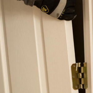 Что делать с перекосом двери?